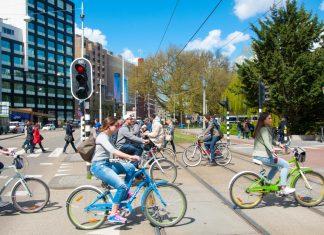 smart city ludzie rowery
