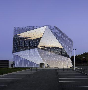 E8 Building, Vitoria-Gasteiz, Hiszpania. Architekci: Coll-Barreu Arquitectos